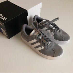 NWT Adidas Gray/white Sneakers